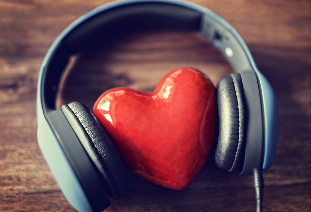 How Music Can Help You in Your Office Mood